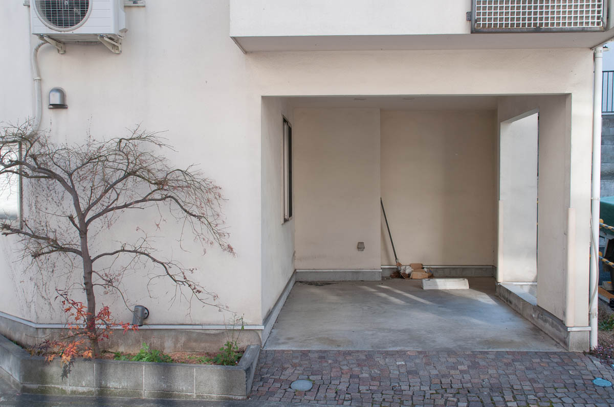 A random walk through Tokyo; doors & entrances 2014-2015